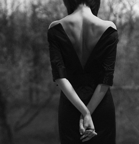 ros_woman_frauen_black_and_white_photography_lar